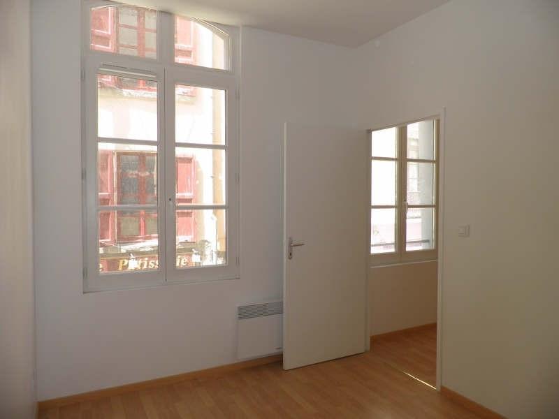 Location appartement Le puy en velay 303,79€ CC - Photo 3