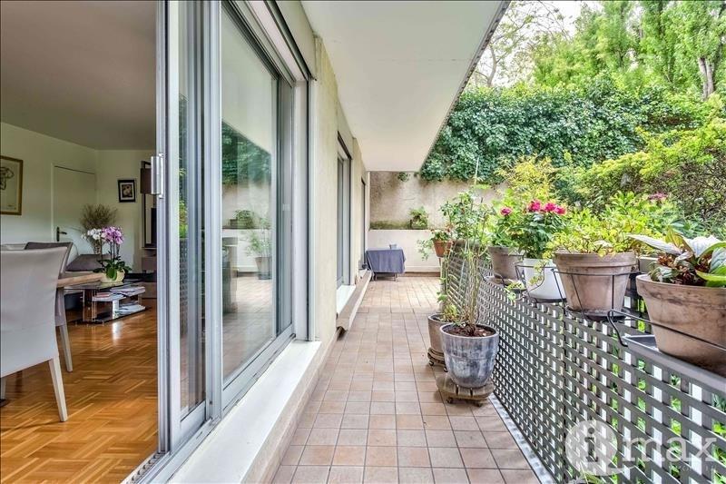 Sale apartment Courbevoie 700000€ - Picture 5