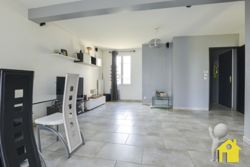 Sale house / villa Neuilly en thelle 230000€ - Picture 5