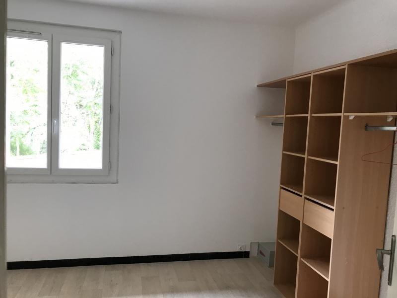 Sale apartment Nimes 88000€ - Picture 2