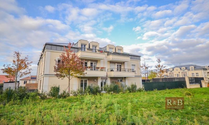 Sale apartment Les clayes sous bois 308000€ - Picture 1
