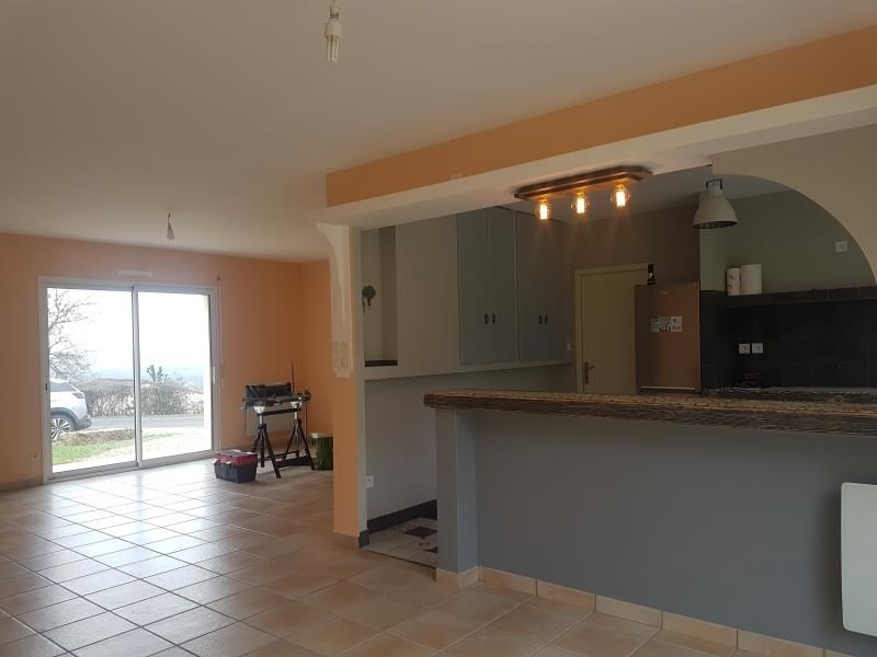 Location maison / villa Nanteuil 690€ CC - Photo 3
