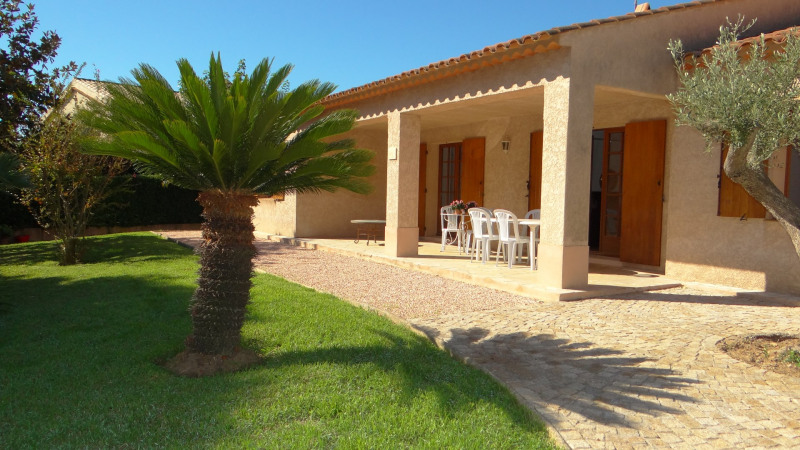 Vacation rental house / villa Cavalaire sur mer 1 000€ - Picture 3