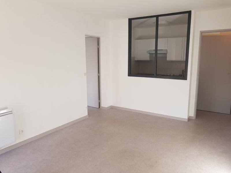 Sale apartment Pau 87000€ - Picture 1