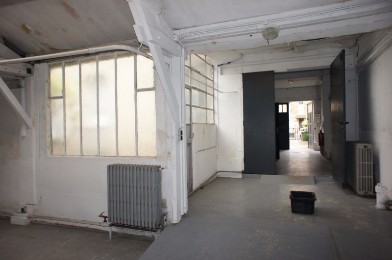 Location local commercial Clamart 1248€ HC - Photo 6