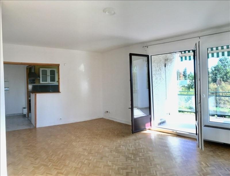 Rental apartment Charbonnieres les bains 800€ CC - Picture 5