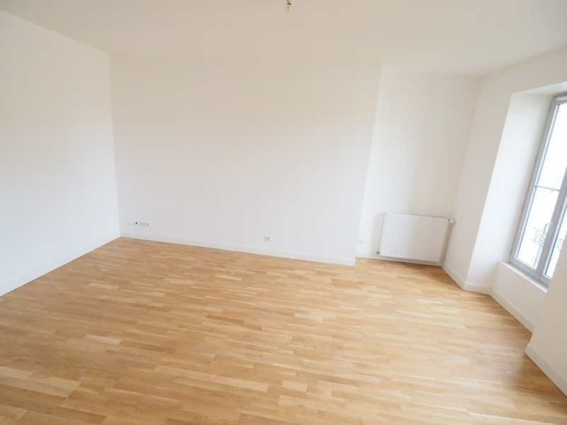 Rental apartment Melun 830€ CC - Picture 2
