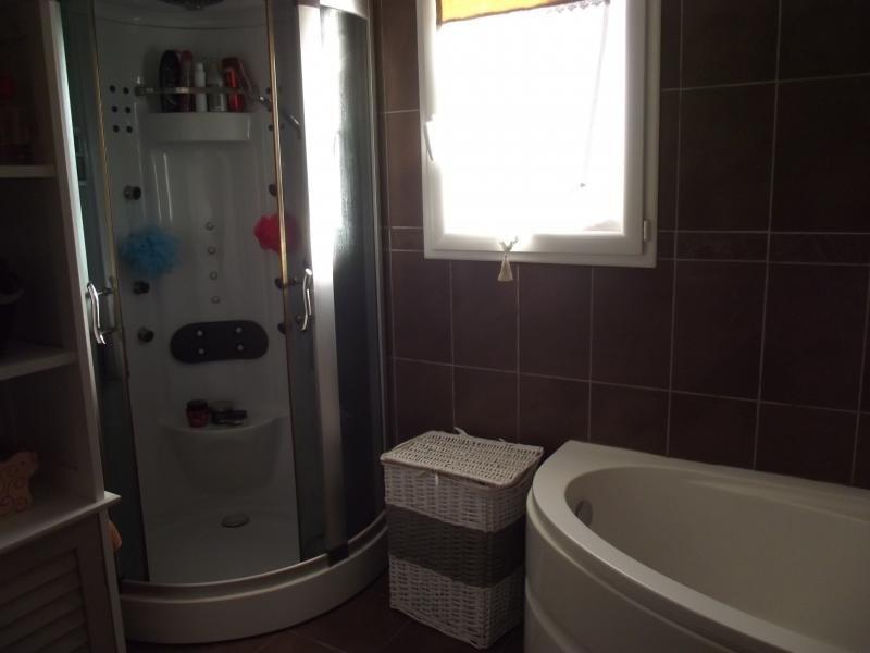 Sale house / villa L isle jourdain 249600€ - Picture 7
