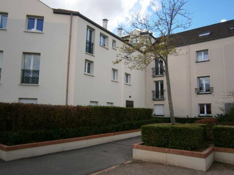 Rental apartment Voisins le bretonneux 662€ CC - Picture 5