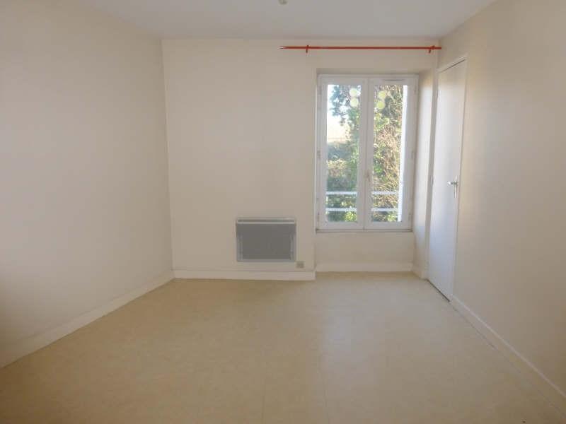 Location appartement Liguge 343€ CC - Photo 3