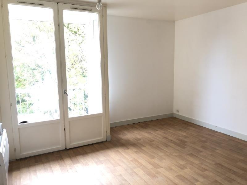 Rental apartment Vendome 350€ CC - Picture 2