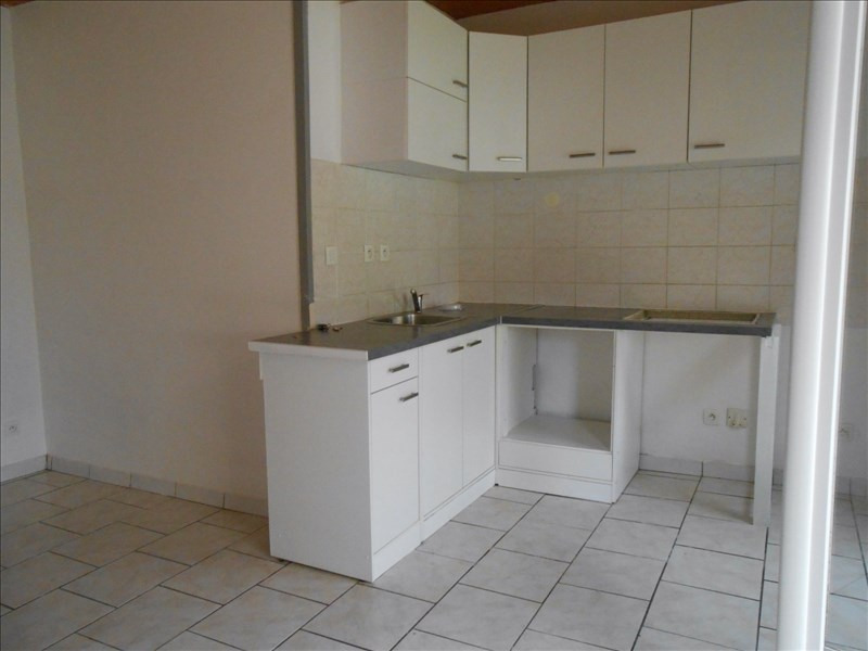 Location maison / villa St romain en gal 625€ CC - Photo 3