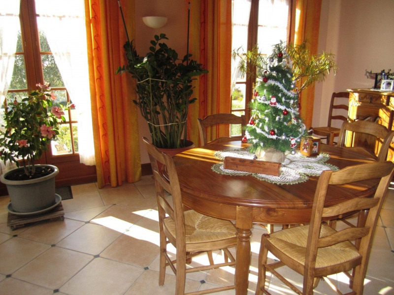 Sale house / villa Barbezieux-saint-hilaire 331 000€ - Picture 17