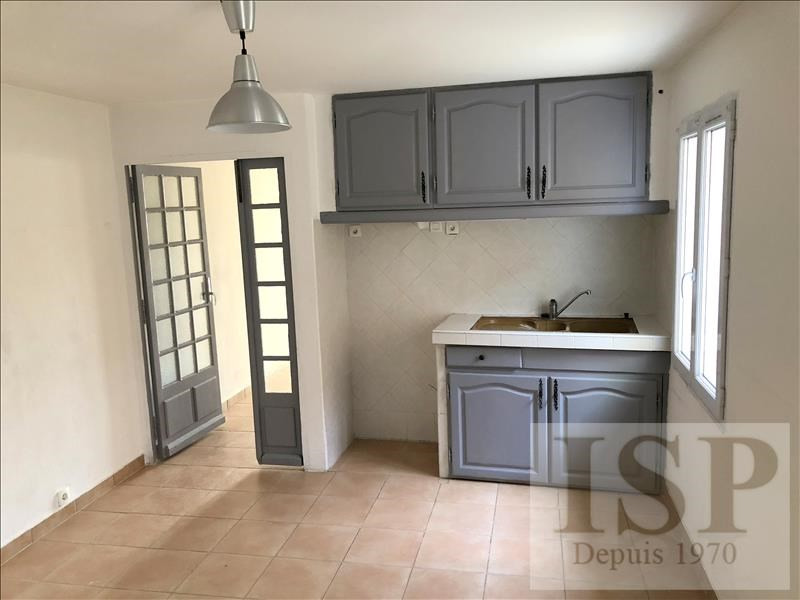 Rental apartment Les milles 811€ CC - Picture 1