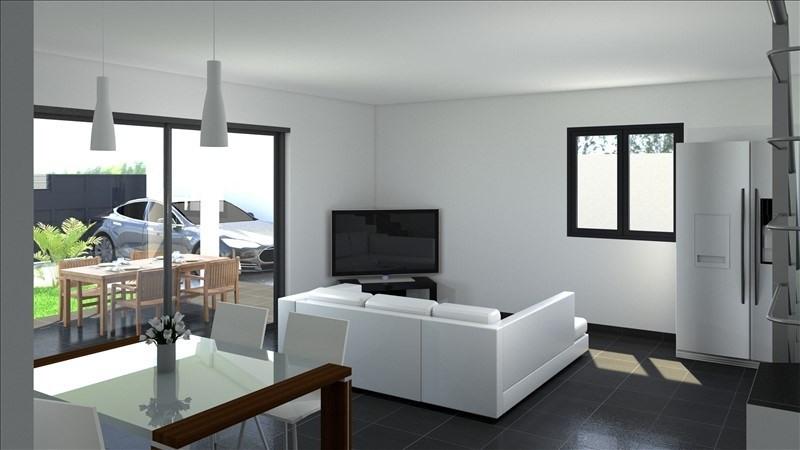Sale house / villa Les avirons 372000€ - Picture 5
