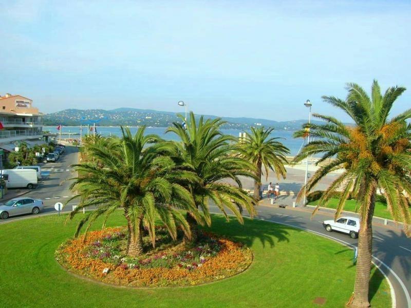 Location vacances appartement Cavalaire sur mer 680€ - Photo 2