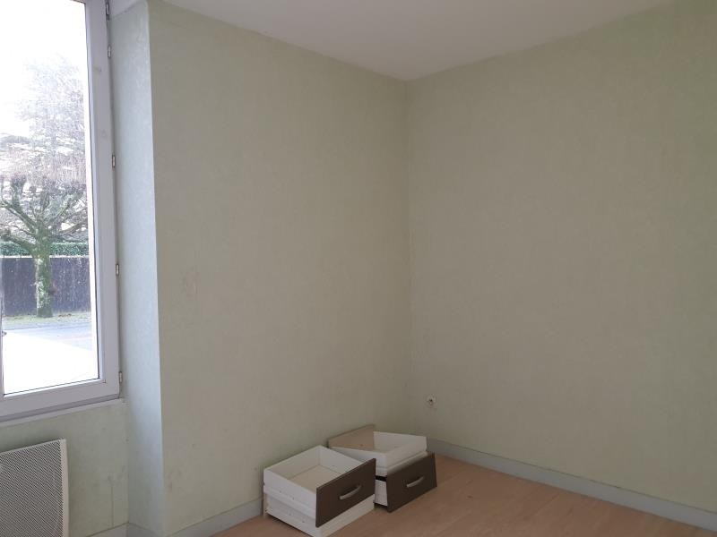 Location appartement La creche 430€ CC - Photo 2
