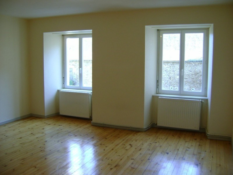 Rental apartment Calmont 426€ CC - Picture 1