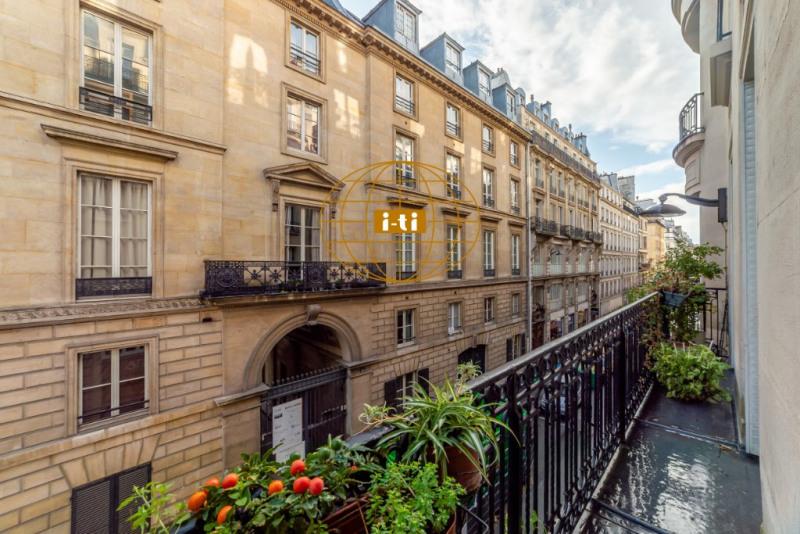 Vente de prestige appartement Paris 9ème 1895000€ - Photo 2