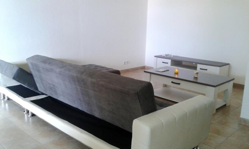 Rental apartment Gourbeyre 854€ CC - Picture 2