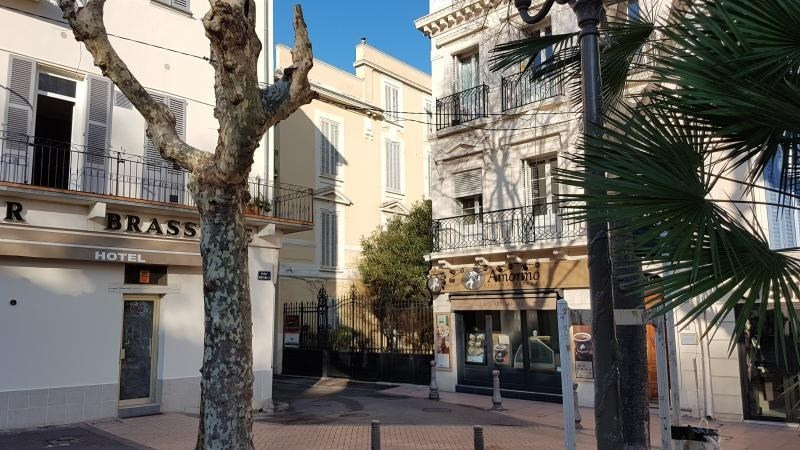 Location local commercial Antibes 872€ HT/HC - Photo 1