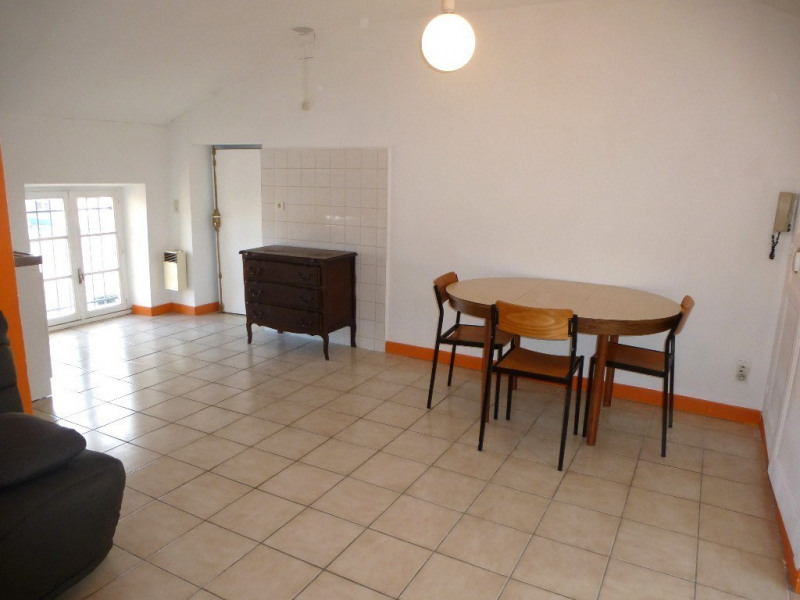 Location appartement Aubenas 310€ CC - Photo 3