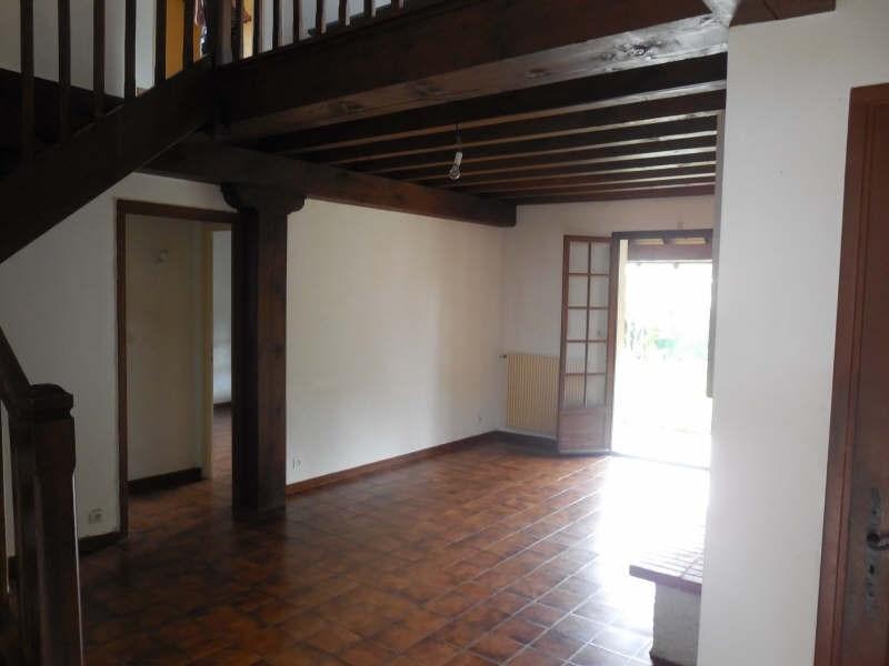 Location maison / villa Gan 882€ CC - Photo 4