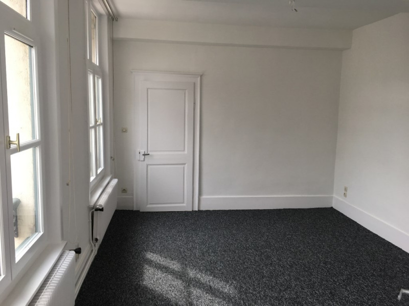 Location appartement Saint omer 645€ CC - Photo 4
