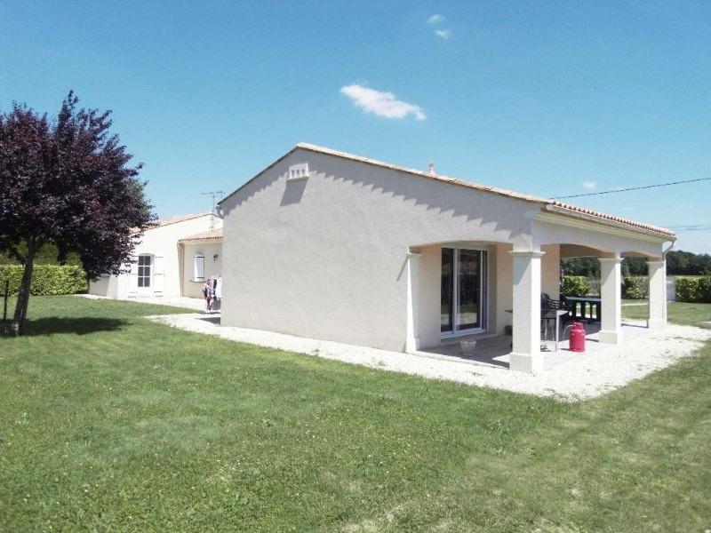 Rental house / villa Germignac 890€ CC - Picture 2