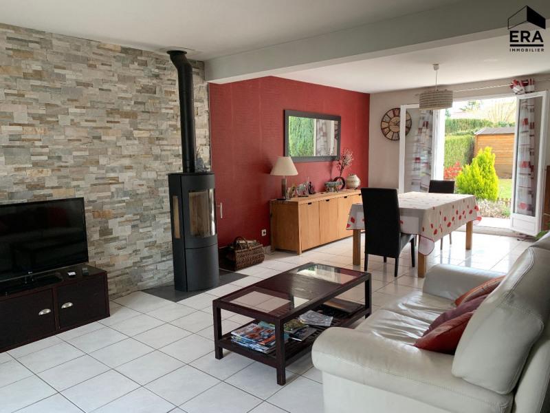 Sale house / villa Lesigny 410000€ - Picture 1