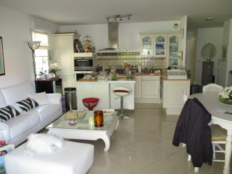 Vente appartement Hyeres 349 650€ - Photo 3