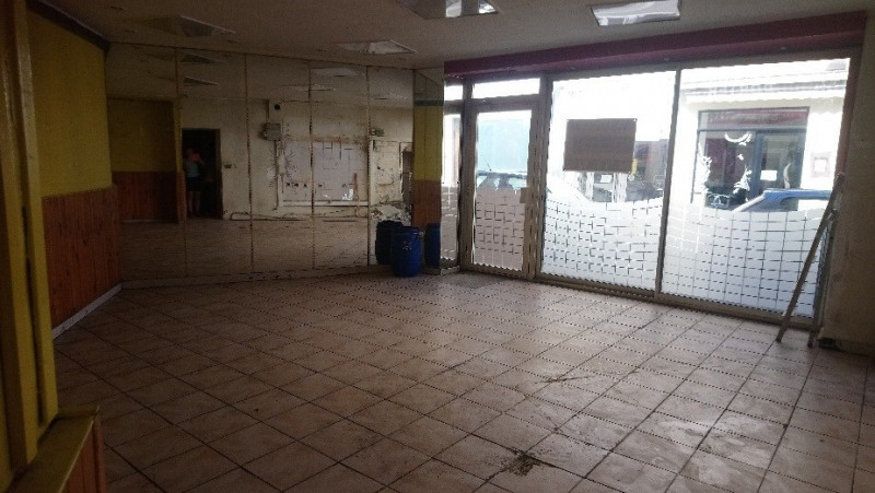 Location local commercial Oullins 850€ HC - Photo 2