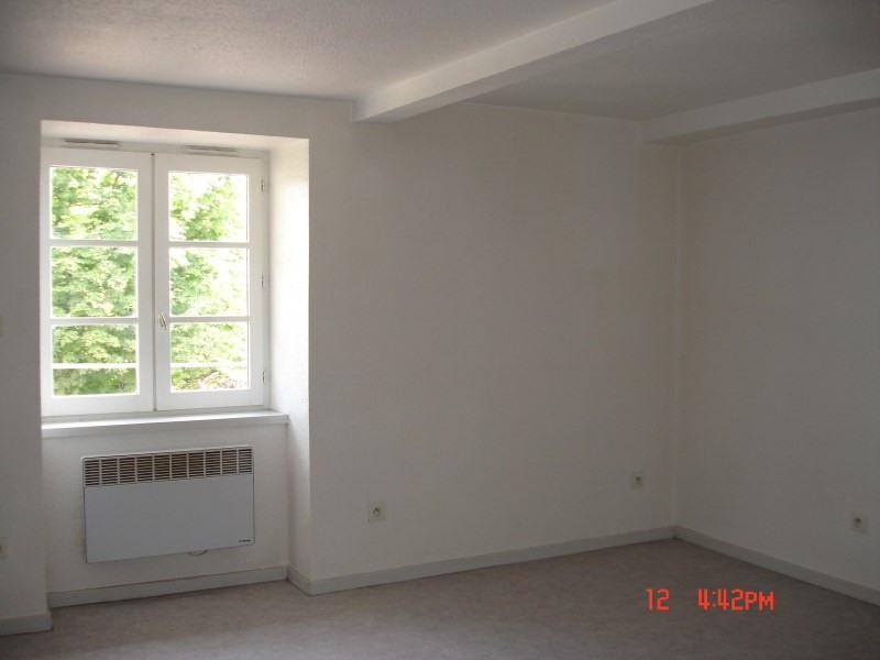 Rental apartment Cremieu 440€ CC - Picture 2