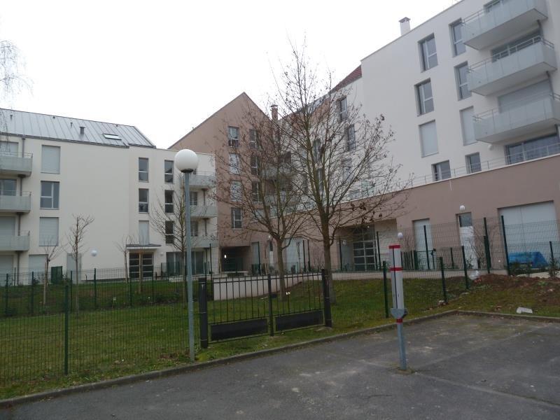 Rental apartment Jouy le moutier 895€ CC - Picture 1