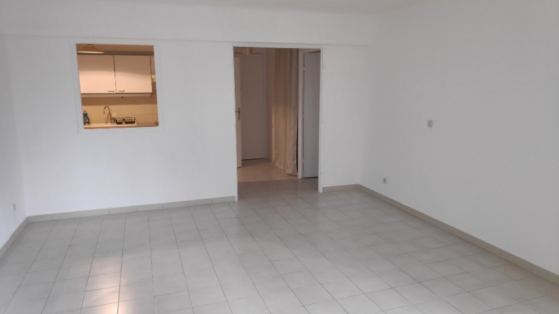 Rental apartment Cagnes sur mer 850€ CC - Picture 3
