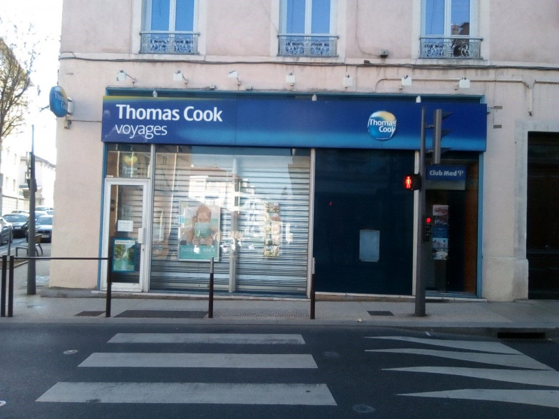 Location local commercial Oullins 1 323€ HC - Photo 3