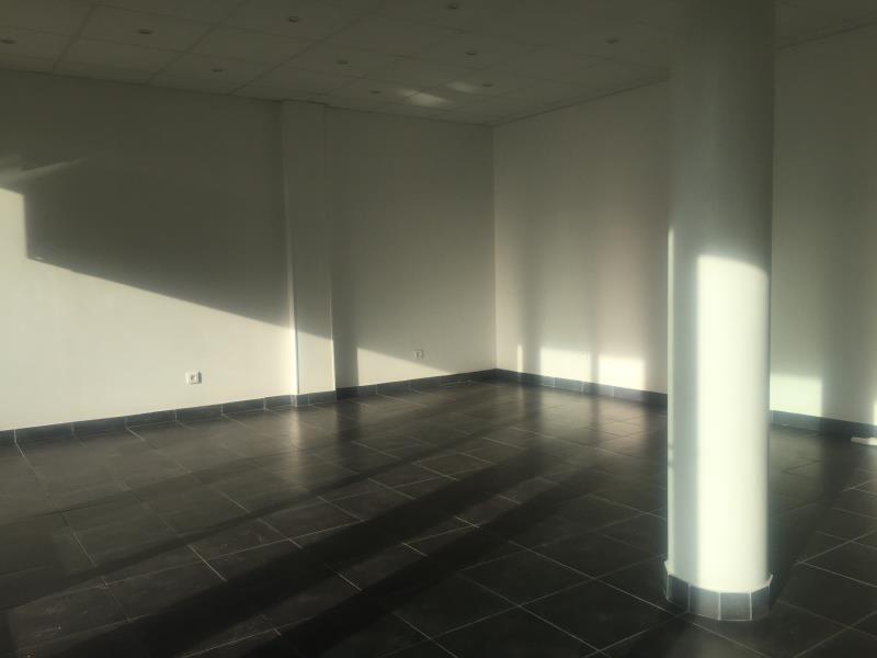 Location bureau Ares 450€ HT/HC - Photo 5