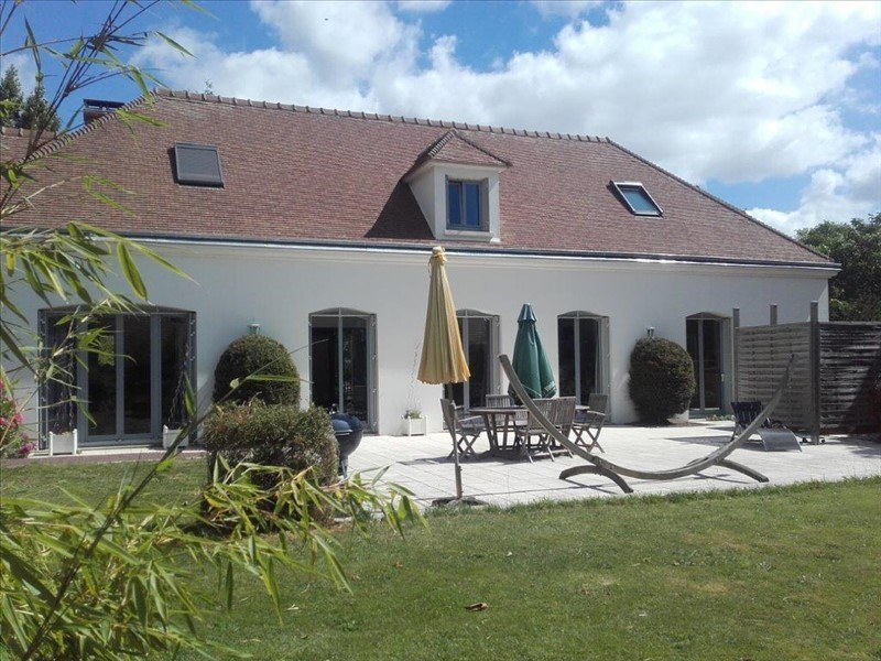 Sale house / villa Longnes 695 000€ - Picture 1