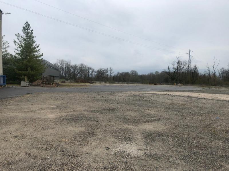 Location local commercial Contamine-sur-arve 2800€ CC - Photo 4