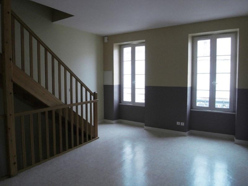 Rental apartment Jarnac 477€ CC - Picture 1