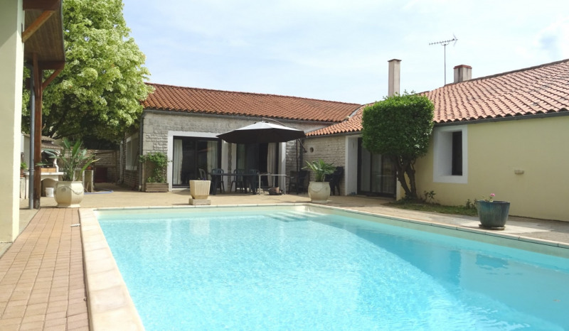 Sale house / villa Mouzeuil st martin 349900€ - Picture 2
