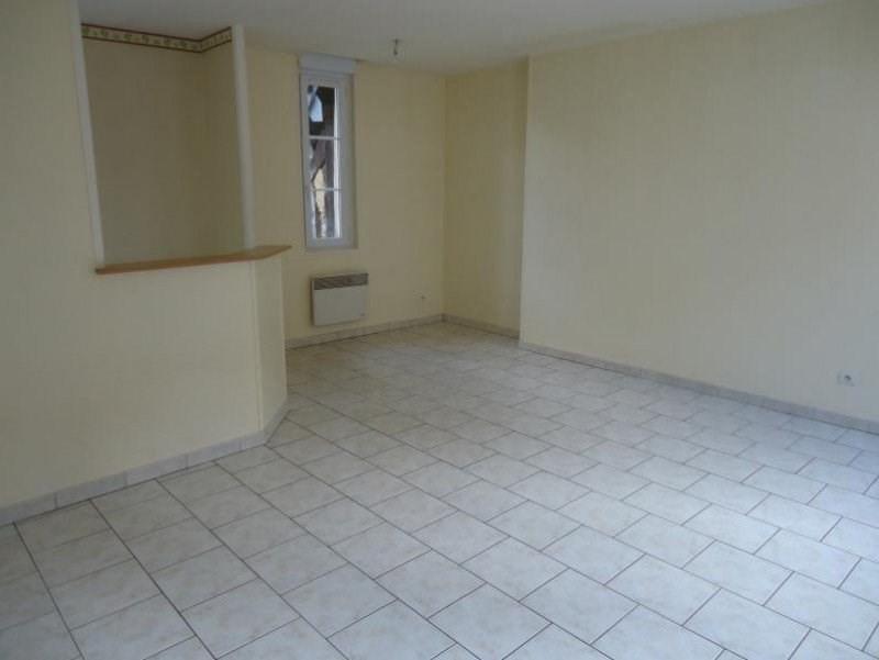 Rental apartment Lisieux 440€ CC - Picture 2