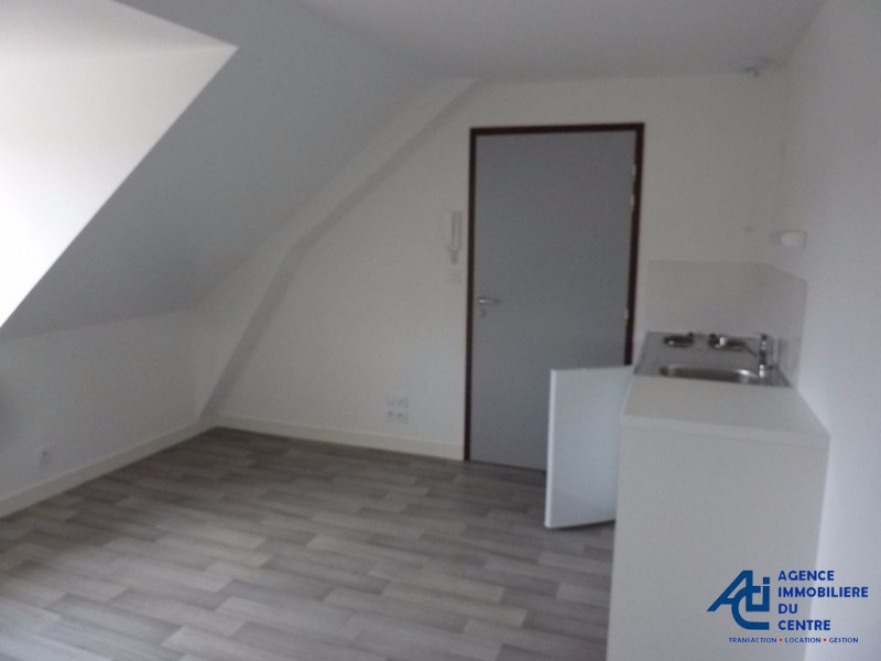 Rental apartment Pontivy 358€ CC - Picture 1