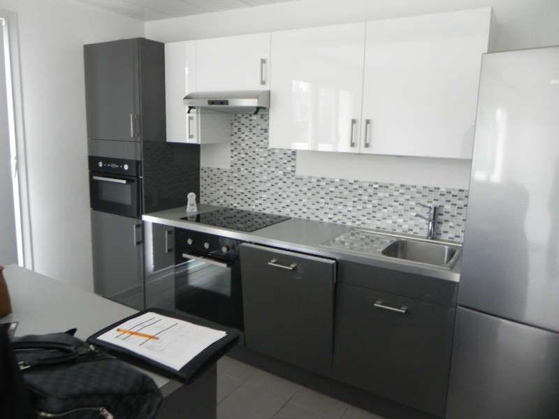 Locação apartamento Jouy le moutier 866€ CC - Fotografia 2