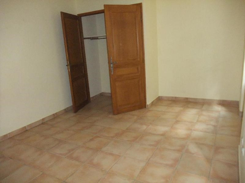 Rental apartment Aix en provence 558€ CC - Picture 2