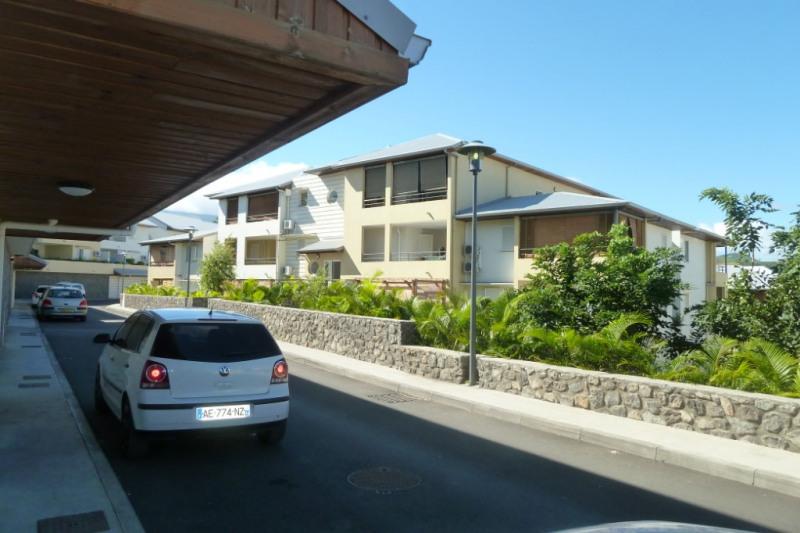 Location appartement Saint pierre 916€ CC - Photo 4