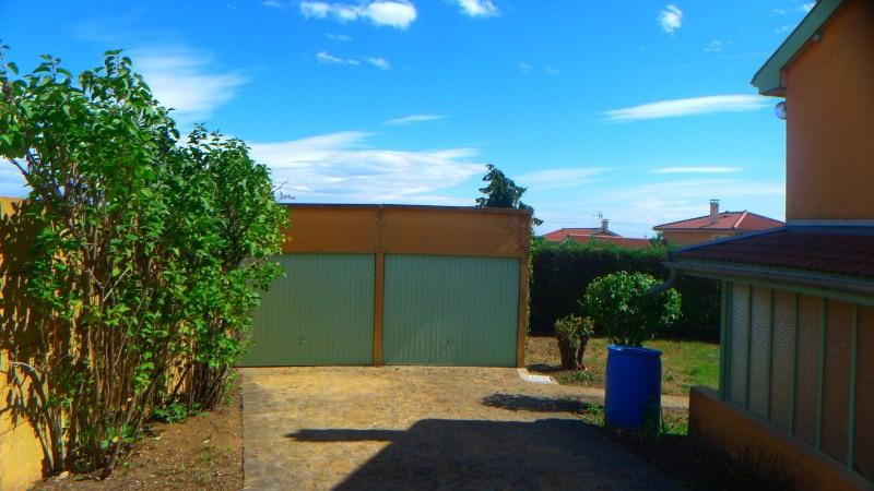 Location maison / villa Pierre benite 869€ CC - Photo 5