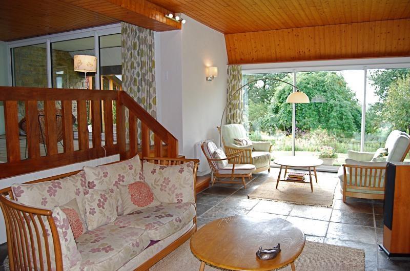Sale house / villa Saint nicolas du pelem 259700€ - Picture 4