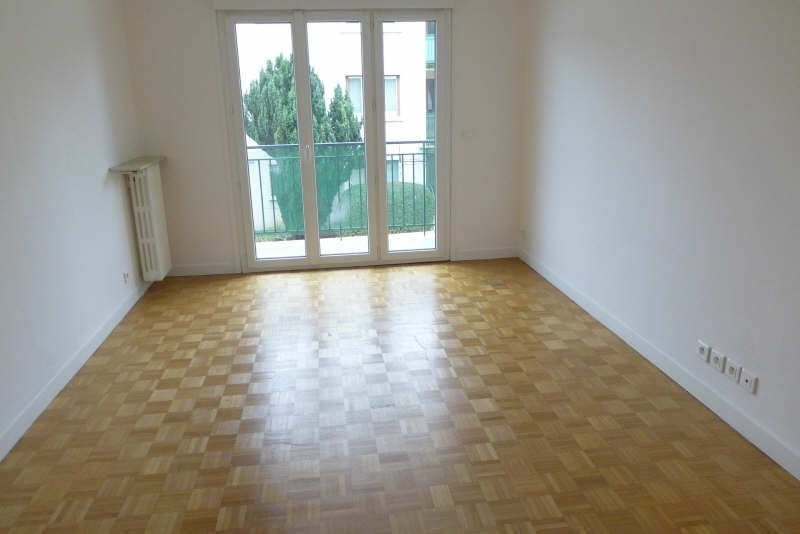 Rental apartment Garches 1 134€ CC - Picture 1