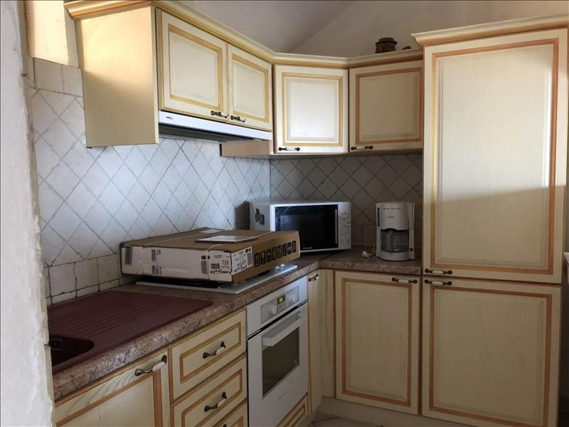 Location appartement Sant antonino 650€ CC - Photo 2